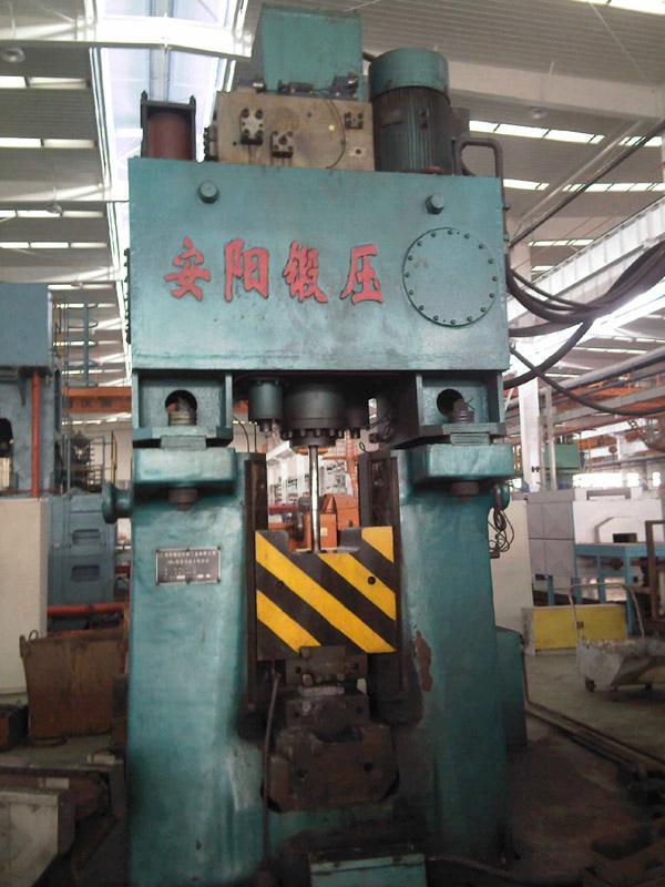 数控锤客户案例-16KJ数控模锻锤在重庆建设集团使用