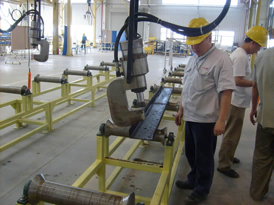 液压铆接机生产线装配