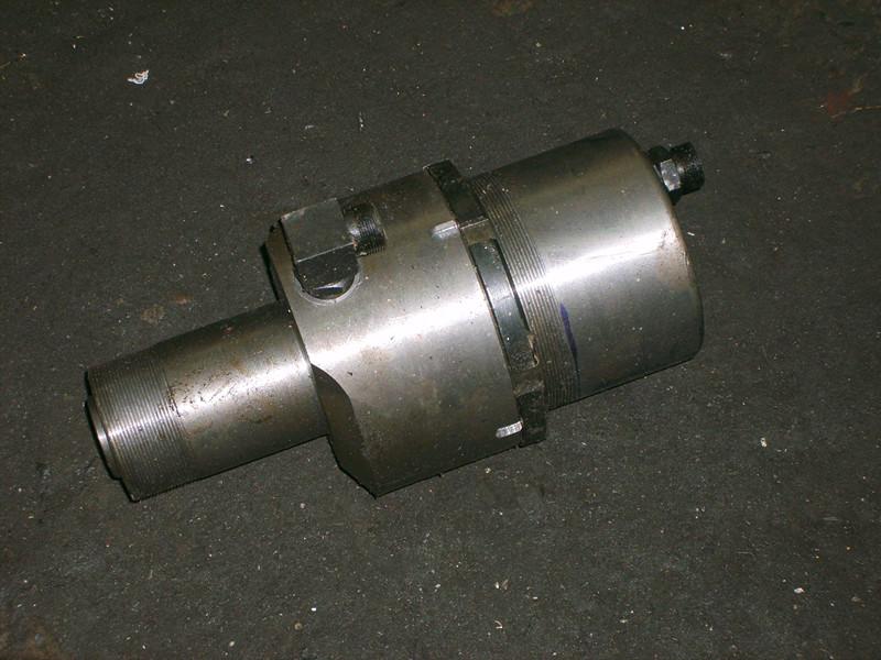 求购刹车蹄片铆接机油缸型号