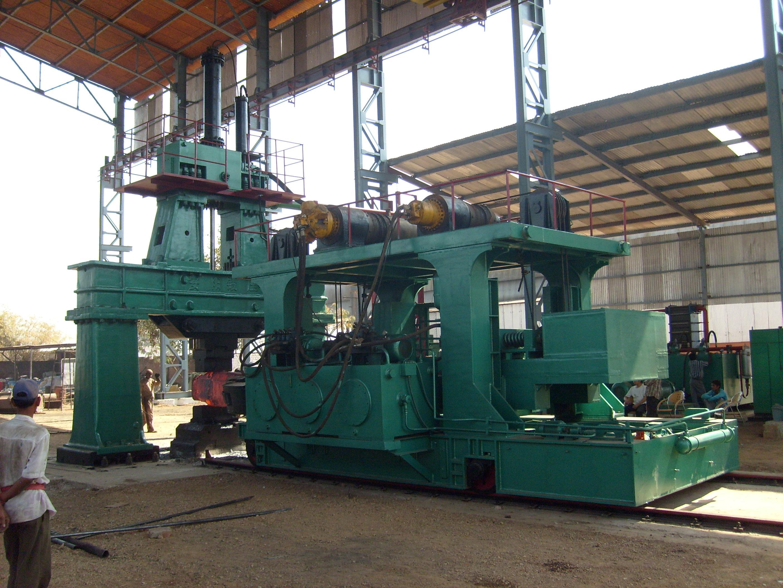 6吨自由锻电液锤和8吨自由锻操作机在印度使用
