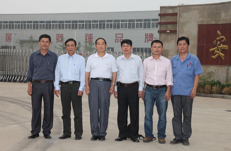 亚洲-越南数控全液压模锻锤客户来访