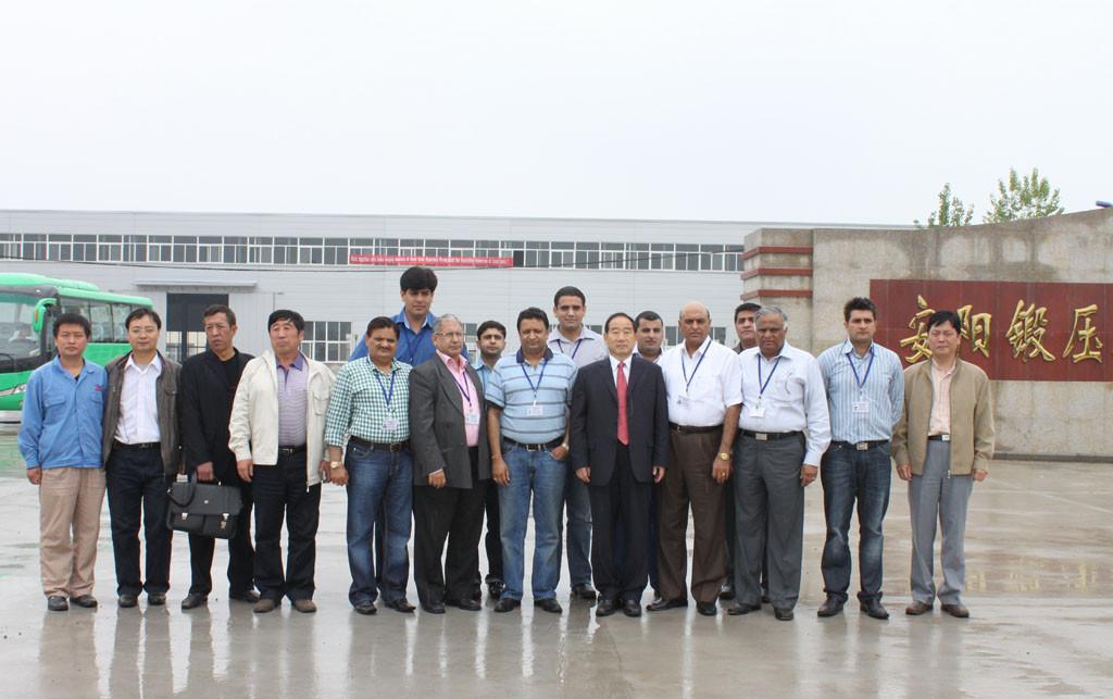 亚洲-印度yabo亚博体育设备代表团来访