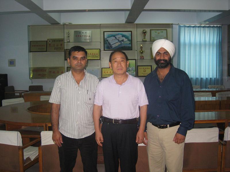 亚洲-斯里兰卡小空气锤客户来访