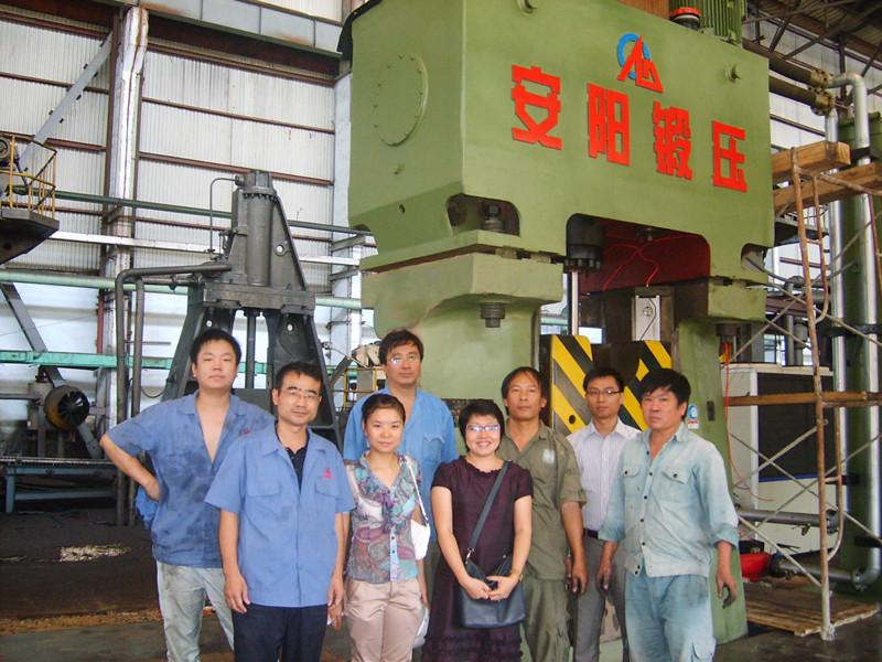 数控锤客户案例-63KJ精密程控模锻锤出口到越南