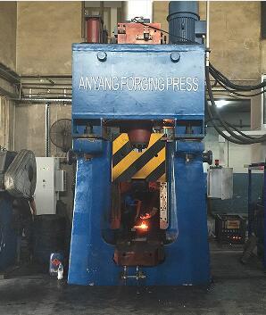 数控模锻锤视频-31.5KJ程控锤出口土耳其yabo亚博体育汽车配件视频