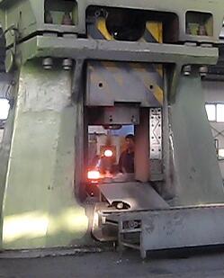 数控模锻锤视频-125KJ数控模锻锤在联达yabo亚博体育齿轮视频