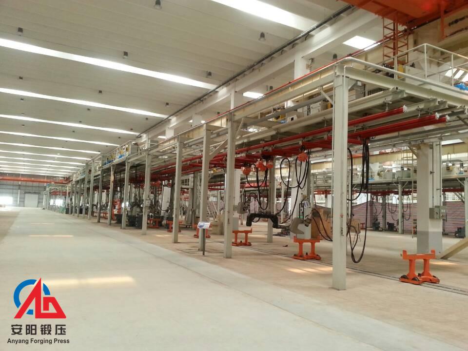 数十台铆钉铆接机械生产线在青岛一汽