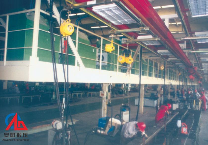 自动铆接机生产线在河南中轴德汇