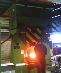 数控模锻锤视频-31.5KJ数控模锻生产线出口土耳其视频