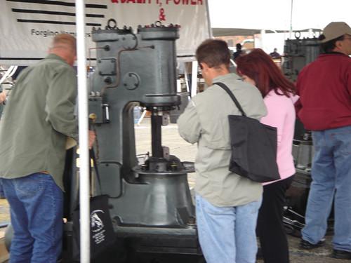 安阳锻压C41-40KG小型空气锤出口波兰
