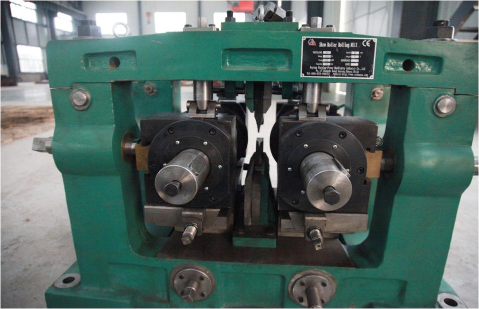 热轧耐磨钢球斜轧机装配-安阳锻压集团