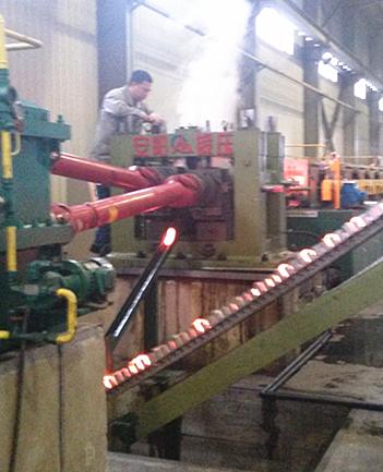 钢球生产视频-60mm耐磨钢球斜轧机生产线在罗马尼亚