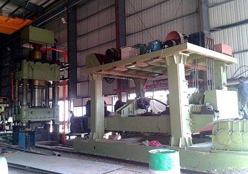 15吨重型锻件yabo亚博体育操作机和1250吨自由yabo亚博体育液压机在印度