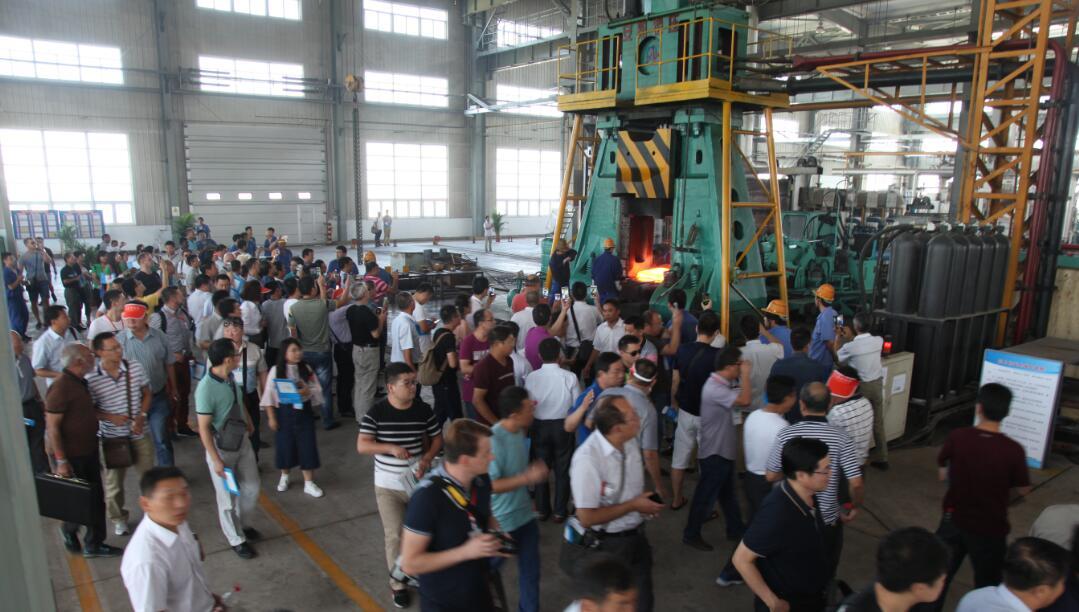 18吨模锻锤在郑煤机yabo亚博体育煤机配件