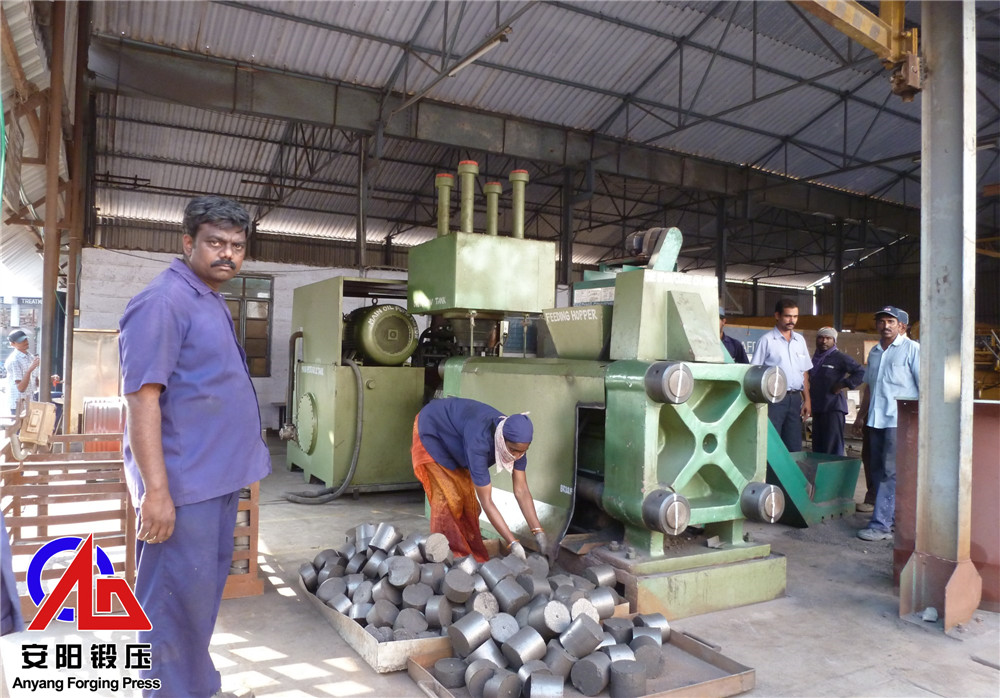 金属压块机压铸铁屑